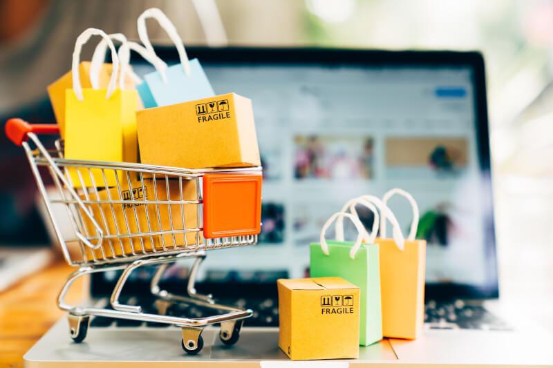 jak sprzedawac w internecie porady darmowe i platne kanaly sprzedazy w sieci